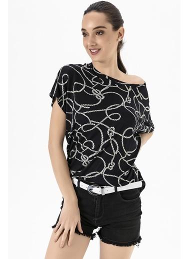 Emjey Düşük Kol  T-Shirt Siyah